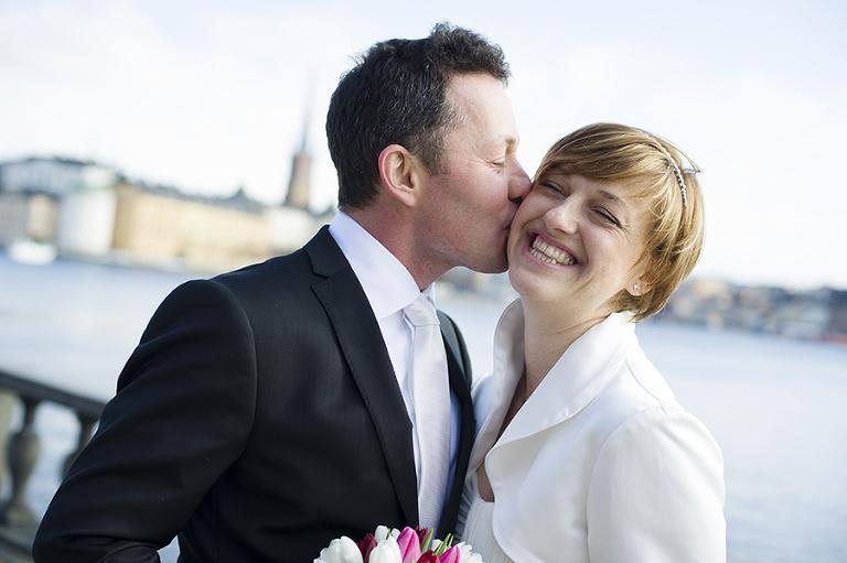 brudpar stockholmsstadshus, bridal couple stockholm city hall, lindholm photography, fotograf terri lindholm