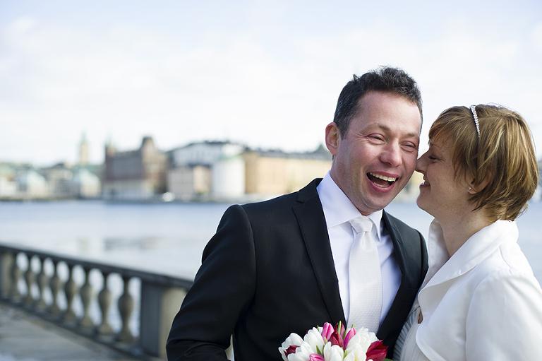bröllop i stockholms stadshuset med riddarholmen i bakgrunden, lindholm photography, fotograf terri lindholm
