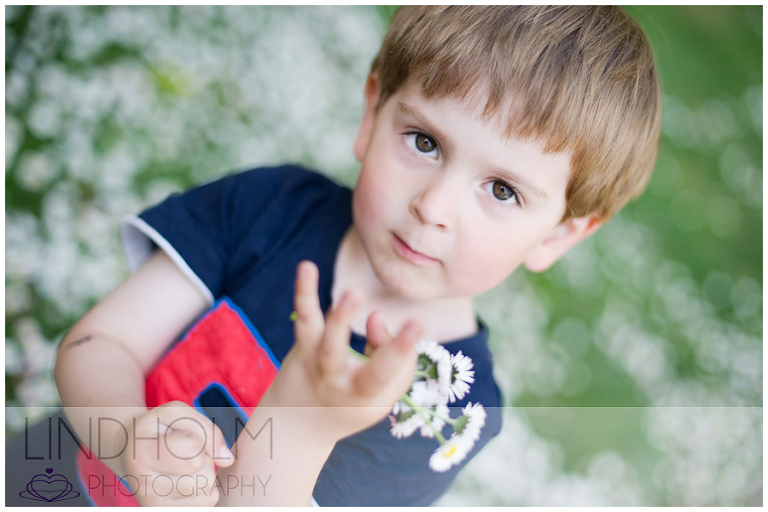 barnfotograf tullinge, fotograf stockholm utomhus barnfoto