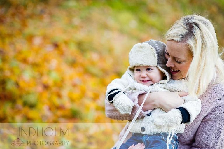 höst familjefotografering, utomhusfotografering, barnfotograf huddinge, barnfotograf stockholm, barnfotografering tullinge, lindholmphotography, fotograf terri lindholm