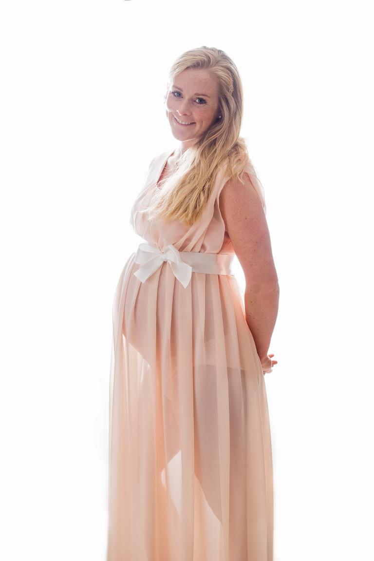 gravidfotografering stockholm, pregnancy photos in a studio, stockholm