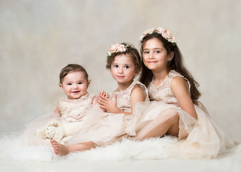 baby foto, syskonfotografering, 1 års fotografering, barnfotograf stockholm,. porträttfotograf stockholm. syskonfotografering, familjefotofoto stockholm, babyfoto, nyföddfotografering stockholm, tullinge, terri lindholm, lindholm photography