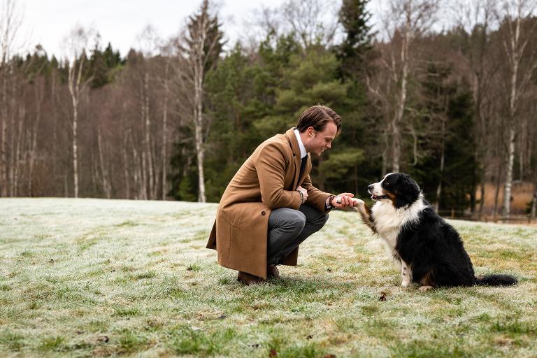 hund med ägare, hundfoto