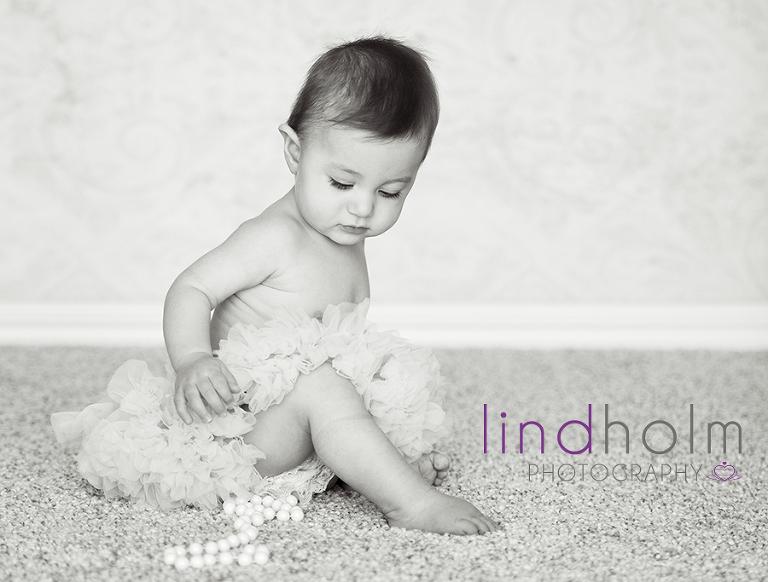 babyfoto i fotostudio i tulinge, fotograf tullinge, fotograf huddinge, fotograf stockholm