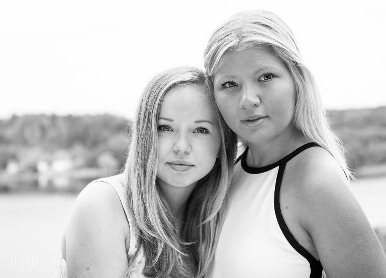 syskonfoto tonåring, barnfotografering utomhus, barnfoto, fotograf stockholm
