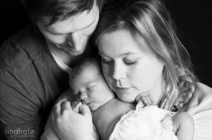 stockholm nyföddfoto, nyföddfotografering i tullinge, mellan huddinge och tumba.